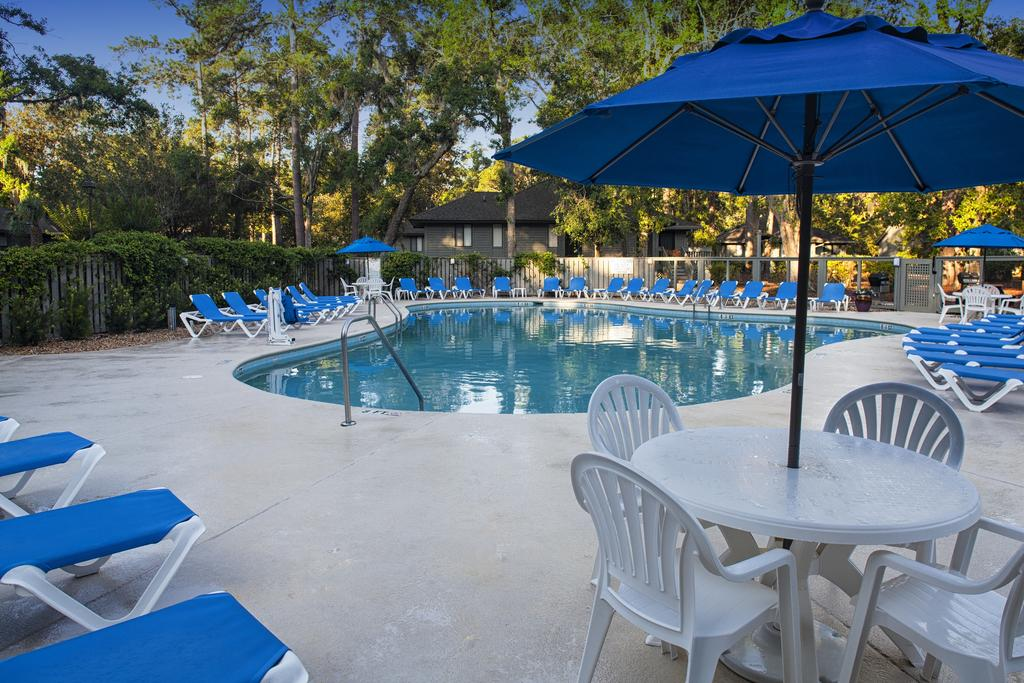 Carolina Club Pool