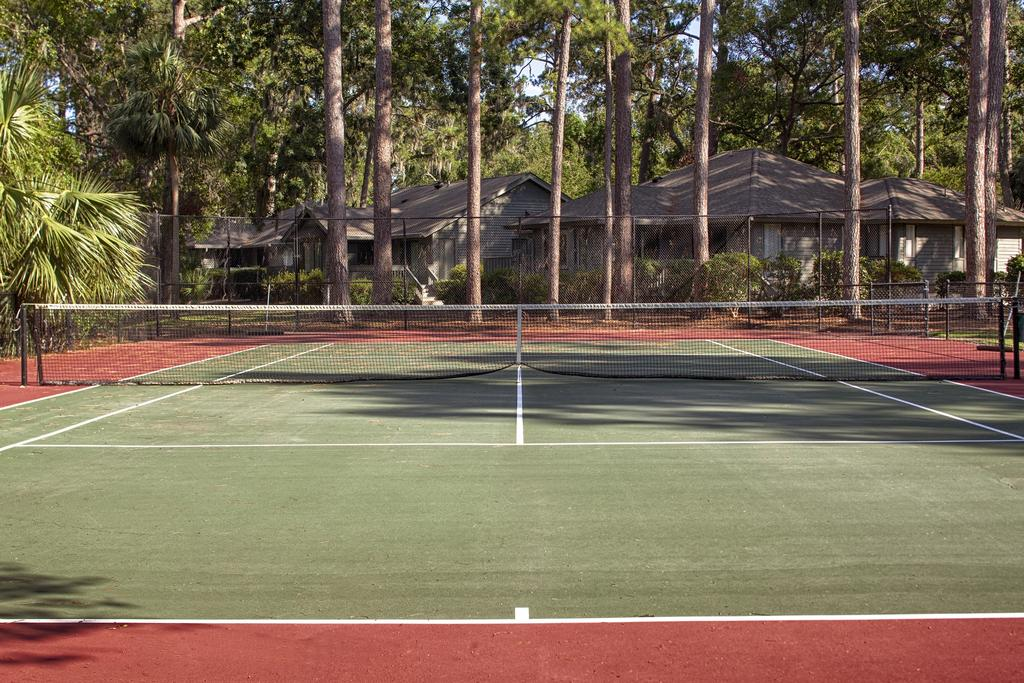 Carolina Club Tennis Courts