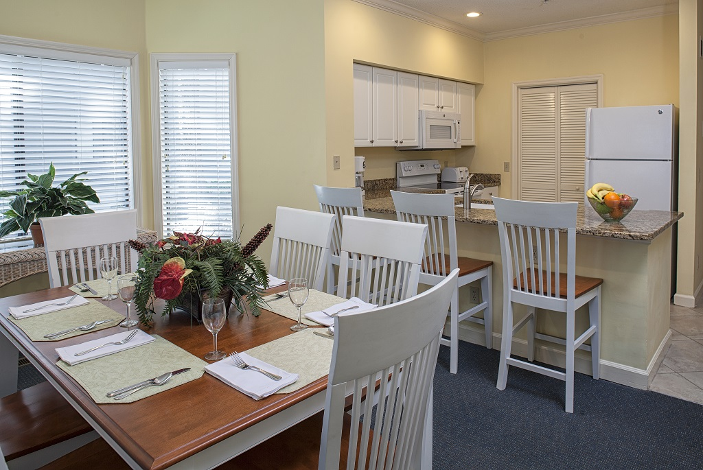 hilton-head-island-egret-point-resort-2-bedroom-dining-kitchen