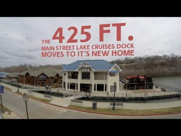 Main Street Lake Cruises to Lake Taneycomo - Branson Missouri
